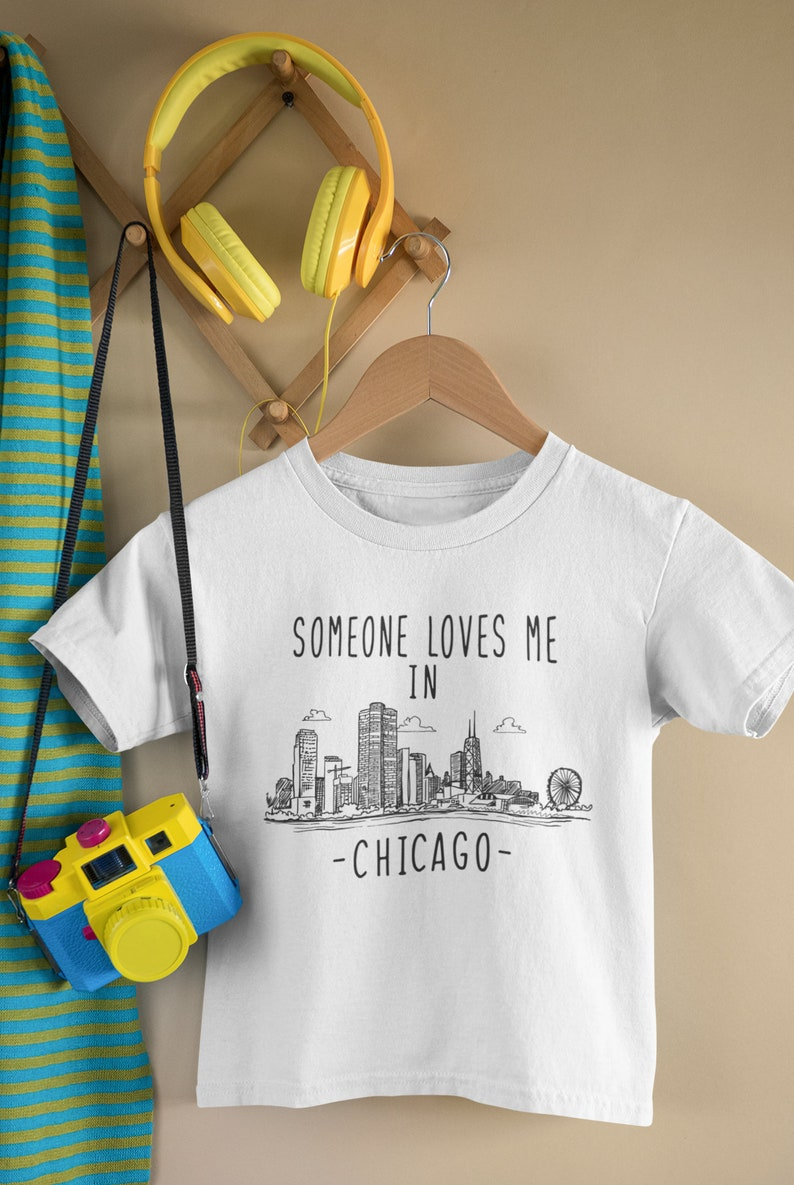 Made in Chicago Baby Onesie Toddler Shirt Gift For New Baby Illinois Baby Long Sleeve Baby Boy Outfit Someone Loves Me In Chicago