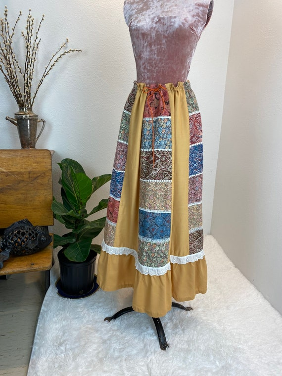 Vintage 1970's Patchwork Quilted Skirt - image 9