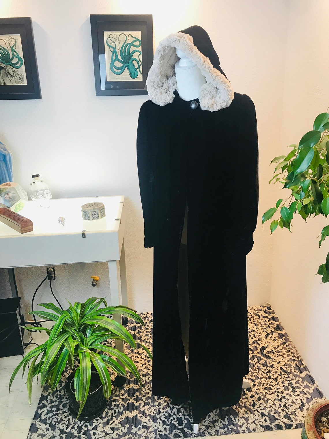 1930/1940s Silk Velvet Opera Coat With Vegan Fur Lined Hood