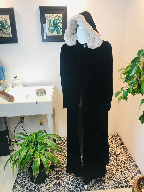 1930/1940s Silk Velvet Opera Coat with Vegan fur l