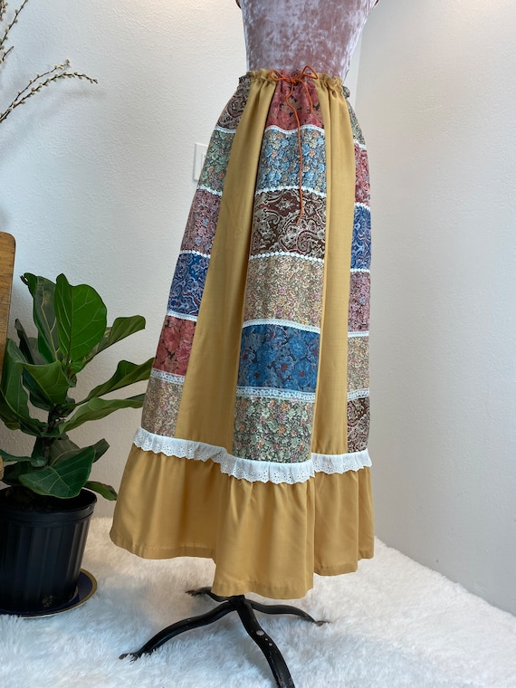 Vintage 1970's Patchwork Quilted Skirt - image 10