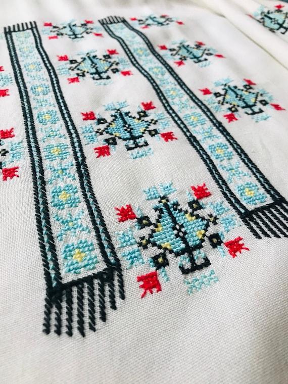 Vintage 1970s Linen Hungarian Blouse. - image 5