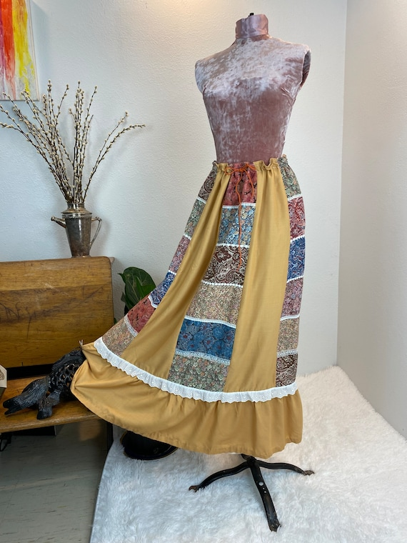 Vintage 1970's Patchwork Quilted Skirt - image 2