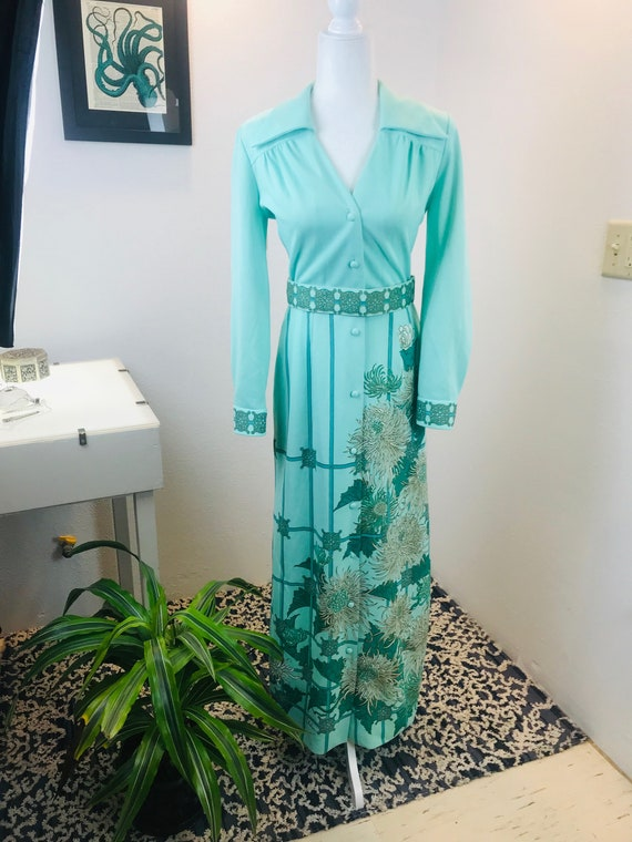 Vintage 1970 Alfred Shaheen Chrysanthemum Dress