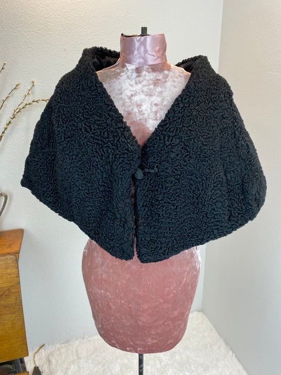 Vintage Spectacular 1930's curly lamb Capelet
