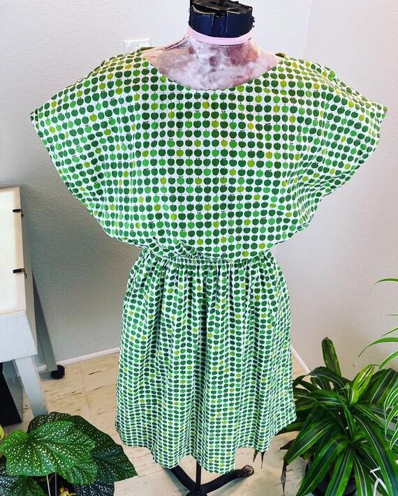Vintage 196O/1970's Apple Dress with pockets
