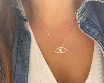 Ritastephens Sterling Silver Small Evil Eye Good Luck Cubic Zirconia Pendant Charm Necklace 18 Inches