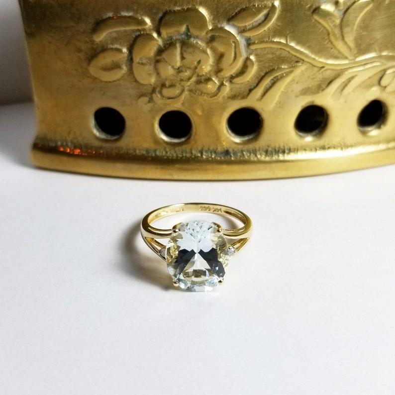 Blue Topaz Oval 14 kt Gold Vintage Diamond Ring