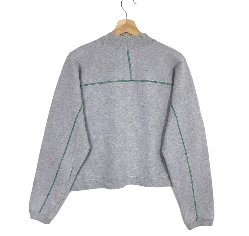 Vintage!UNITED Of COLOURS BENETTON Embroidery Spell Out Big Logo Benetton Crop Top Women/'s Wear Sweatshirt Size Medium