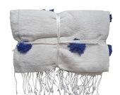 Marrocain Plaid with blue pompoms Berber pom pom blanket Plaid hand-woven pompom Plaid Morocco Plaid cotton trend