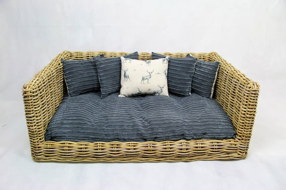 Wondrous Luxury Rattan Dog Cat Sofa Bed Available In 3 Sizes Grey Cord Stag Cushion Inzonedesignstudio Interior Chair Design Inzonedesignstudiocom