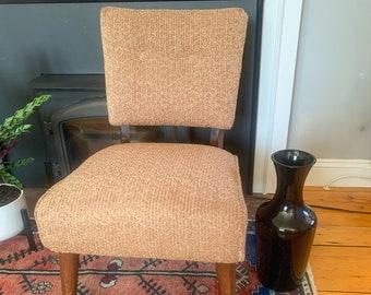Vintage pink Kroehler slipper chair