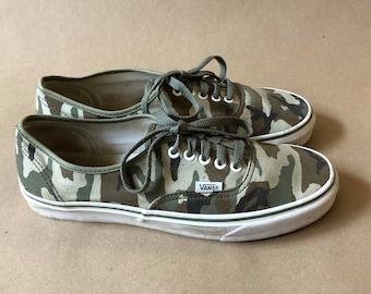 de830c1e12 Authentic Camo Canvas VANS Shoes