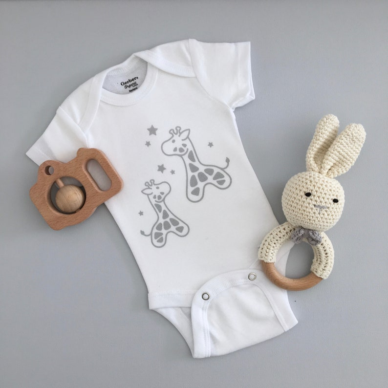 Neutral Colors Newborn Gift Baby Gift Screen Printed Onesie\u00ae Organic Cotton Mom /& Me Cute Giraffes Boy-Girl Bodysuit