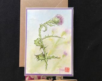 Carte florale peinte à la main avec enveloppe. aquarelle, le chardon, peinte à la main