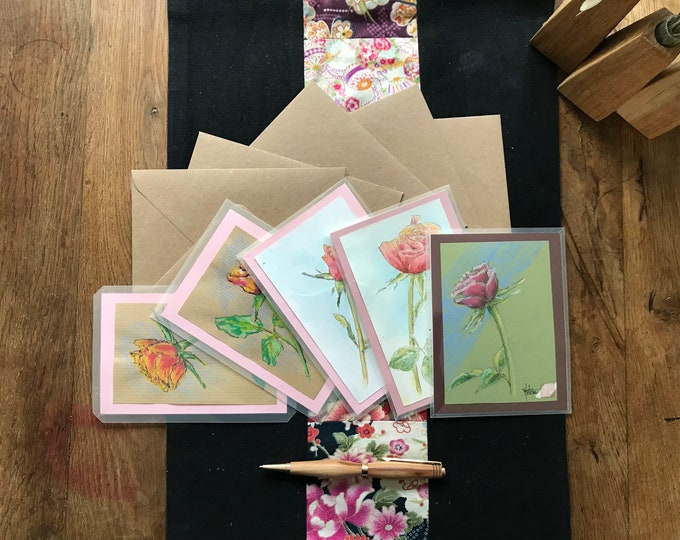 Cartes peintes à la main, la rose, livrées avec enveloppe. Pour fête des mères, anniversaire, saint valentin.