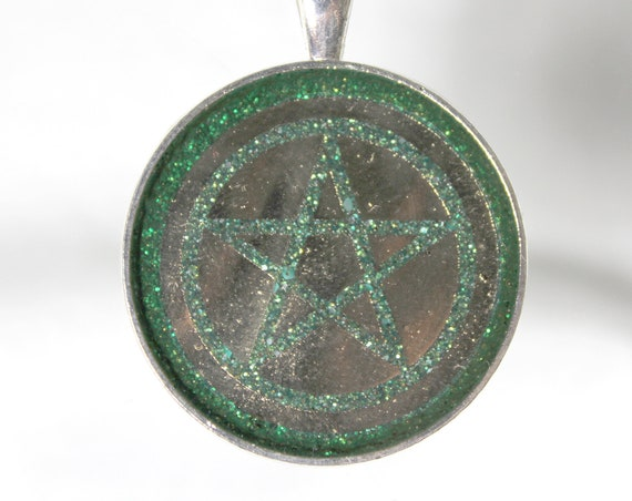 Wiccan Green Pentagram Spring Life 30mm Round Resin Foil Pendant - Sparkling Holographic Smooth Inlay