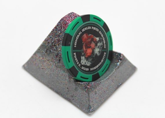 Coin - Poker Chip - Display Stand - Fun GLOW in the DARK Silver color with crazy fun glitter - Makes a flat round object POP!  Unique