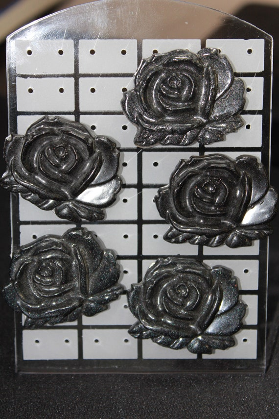 Wholesale Pinbacks - 5 Black Rose Pins - One Low Price!  1 inch pin - Resin Colorful Decorative Accessories! Blossoms Flowers