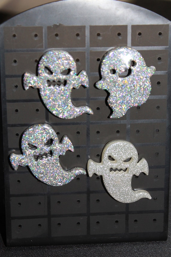 Wholesale Pinbacks - Super Spooky! - 4 Ghost Pins - One Low Price!  1 inch pin - Resin Colorful Decorative Accessories!