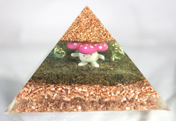 Skiploom and Vileplume Grass Pokemon in an Orgone Energy Dome!  Big Pyramid with Peridot and Copper - Coils and Electricity!