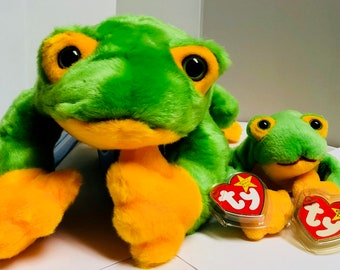 ed41cf90451 Ty Beanie Babies Vintage 1997 Smoochy Frog and Ty Beanie Buddies Vintage  1998 Smoochy Frog with Swing and Tush Tags