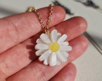 Daisy Pendant, Summer Daisy Necklace, Flower Jewellery, Laser-Cut Acrylic Jewellery