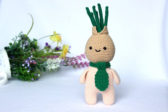 Crochet food doll pattern, Amigurumi onion toy pattern, Crochet bow head pattern, Kitchen decor, Crocheted food pattern, Amigurumi food