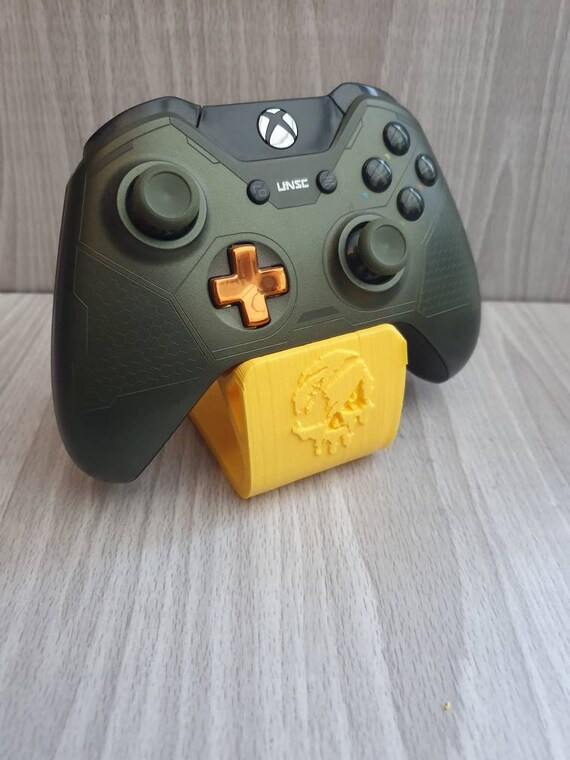 Sea of Thieves Xbox Controller Game Stand Indie Masterpiece Independent Studio