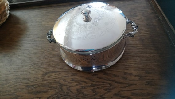 Pyrex Food Warmer Made in USA D-18 1 12 QT