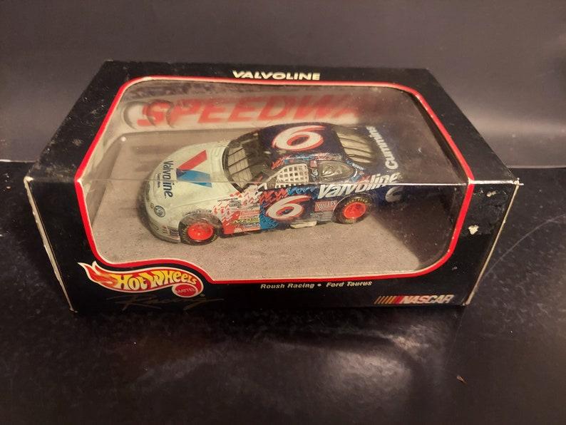 Hot Wheels Racing #6 Havoline 1:43 Scale Die Cast Car  Roush Racing Ford Taurus