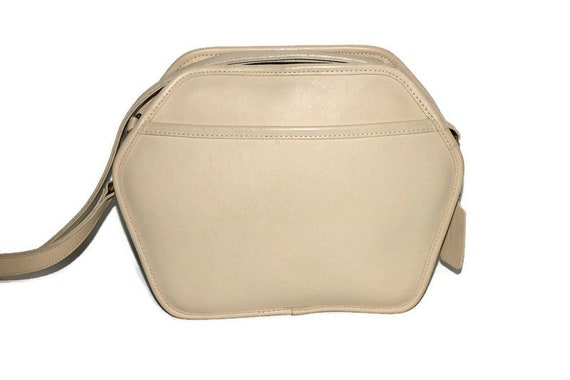 Coach Crossbody Bag 80s Cooper Zip in Bone Geometr