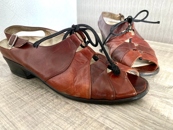 Brown Vintage Sandals leather Cut Out Tie Shoes Vintage Summer huaraches Suede leather sandals Lace Shoes Women/'s size 7.5W Wide