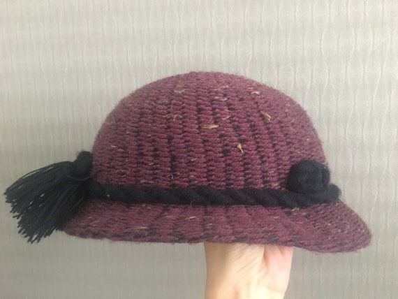 Vintage Women's Derby Purple Knitted Hat Black Rop