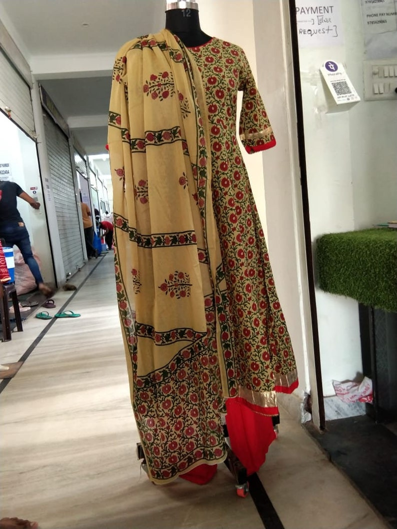 Beautiful Soft Cotton Fabric Heavily Pleated At tha gathers Gotapatti suit duppta for Girls/&Women