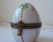 collectable rare vintage French Limoges porcelain hand painted trinket box Peint main signed