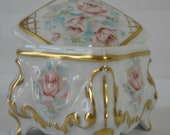 stunning collectable vintage French Limoges porcelain lidded trinket box jewellery box