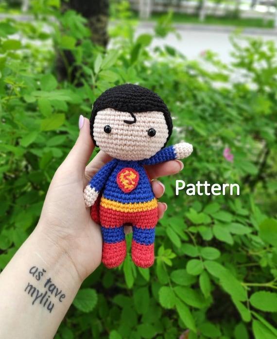 English: Amigurumi Spiderman - Free pattern | Crochet amigurumi ... | 698x570