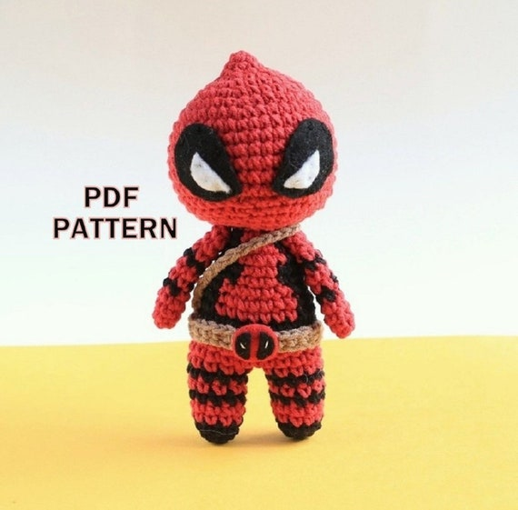 The Friendly Superhero-A Free Crochet Pattern - thefriendlyredfox.com | 561x570