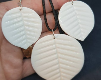 2 pieces 22x54mm white bone carved leaf pendant bead