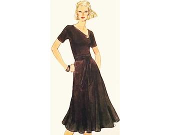Size 10   Vintage Vogue Pattern 9821 Knit Dress Sewing Pattern   Vogue 9821