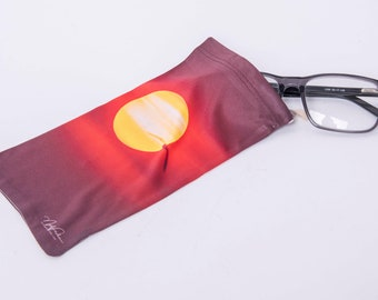 Bird into the Sunset. Glasses bag.