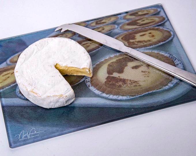 Cutting Board or Cheese board - Elvis Presley Custard tarts