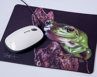 Mouse Mat. Green Tree frog