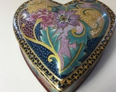 A Stunning Vintage Hand-Made Hand-Painted Porcelain Trinket Box Dish Ring Box Jewellery Box, from France