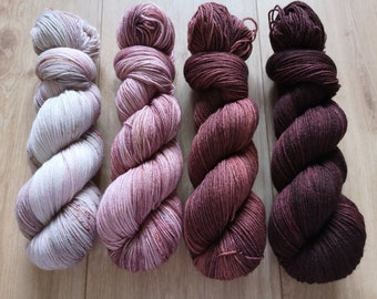 Fading set in taupe rosé cocoa and chocolate, 4 x 400 m/100g, merino blend supersoft. Mulesing-free!