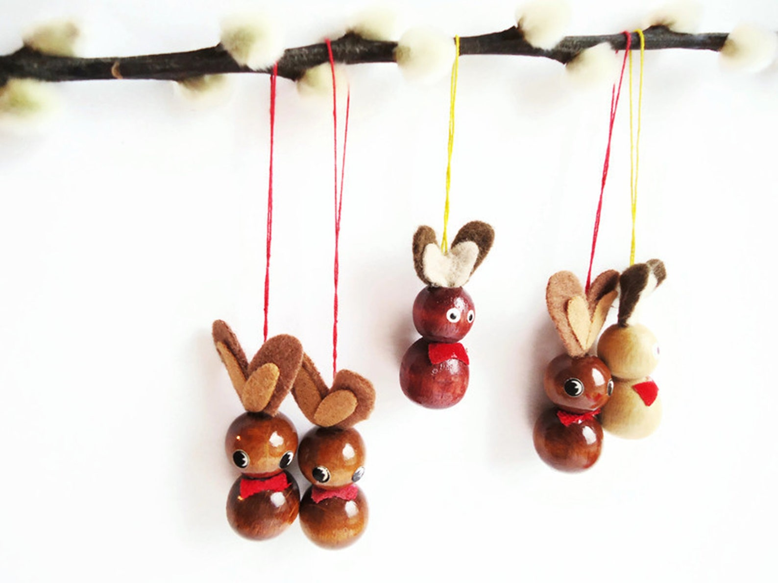 Set of 5 Pieces Vintage Handmade Wooden Bunny Ornaments with Felt Ears - Retro Home decor for Easter