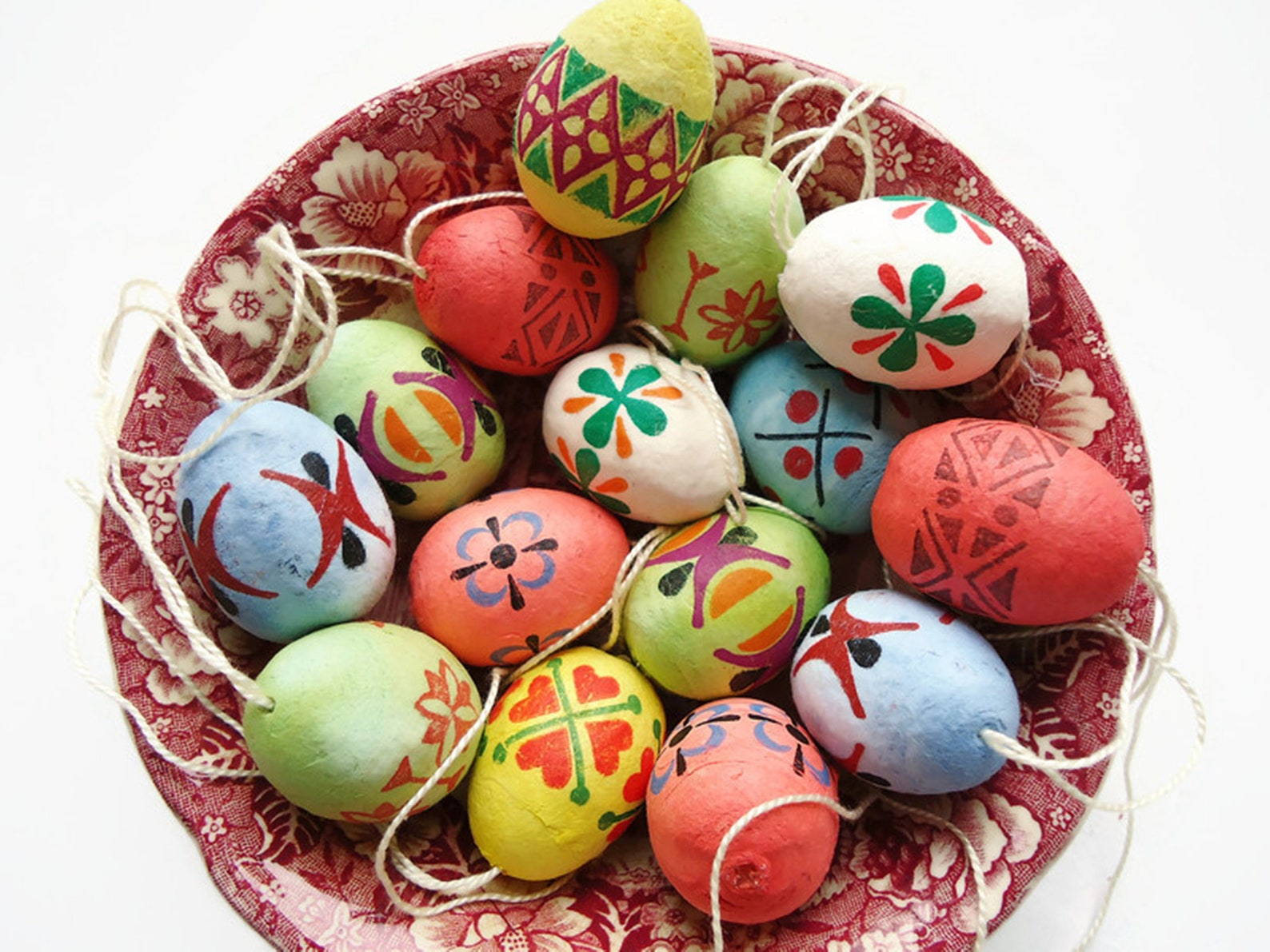 Set of 15 p. Colorful Vintage DDR Erzgebirge Handmade Cotton Spun Egg Ornaments