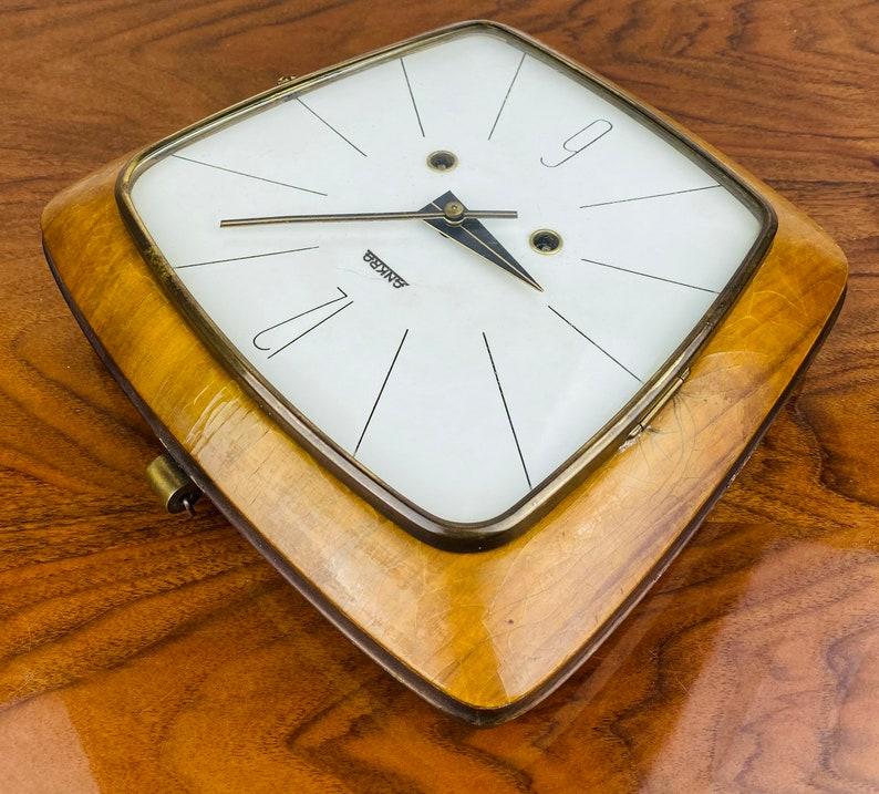 ANKRA Mid Century Wood Clock - Horloge de mur de cru avec horloge mécanique