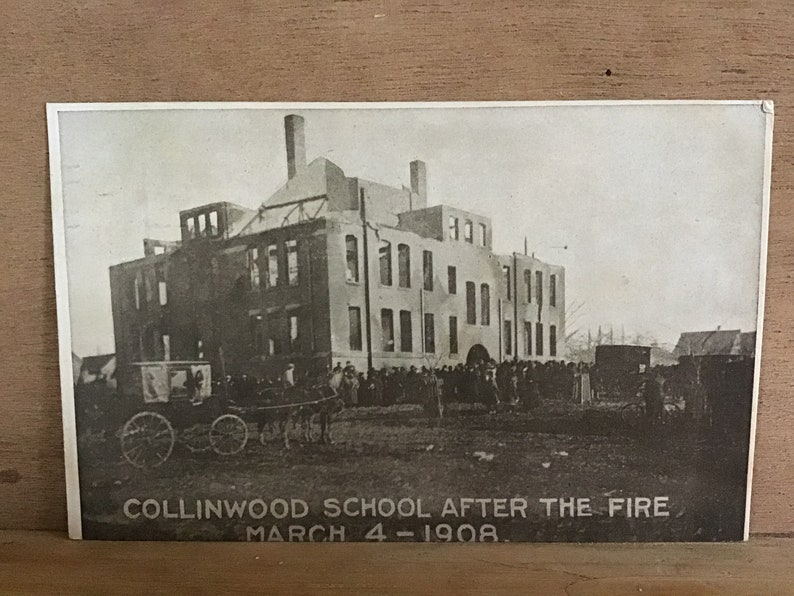 Antique postcard, Collinwood School, Ohio, March 4,1908, postmarked  Cleveland, Ohio, 1911, EX condition
